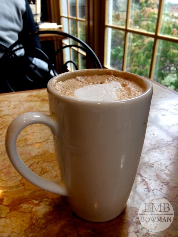 Cafe au lait at Apple Pie Bakery